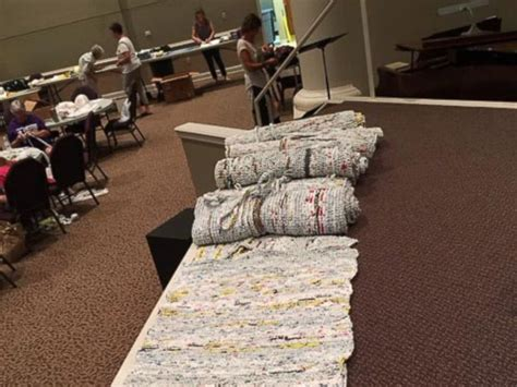 Homeless Mats Plastic Bags by Tennessee Church Turns 10 000 Plastic Bags Into