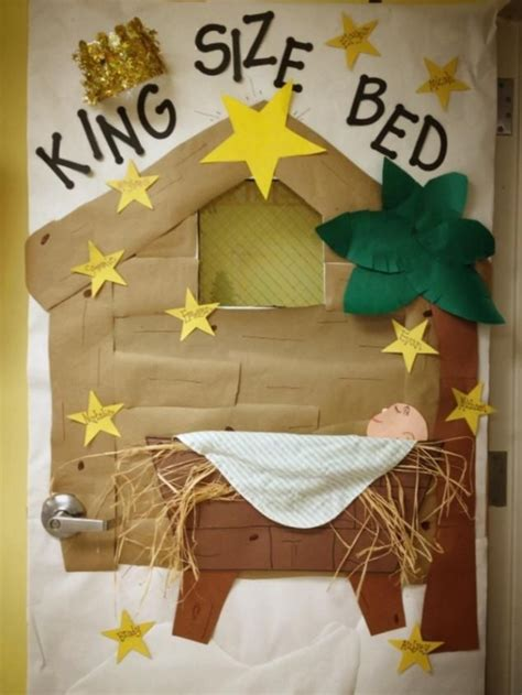 christmas door and bulletin board idea for preschool school