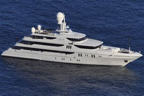 lade di lusso yacht di lusso arriva lau yacht e vela