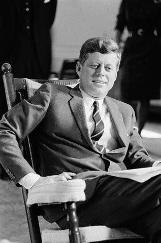 Troutman 1000 Authentic Kennedy Presidential Rocker