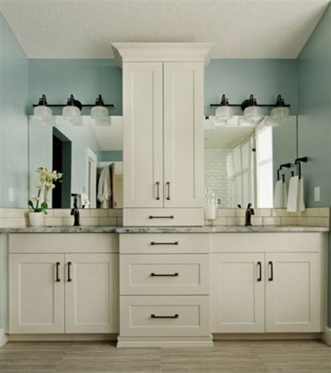 Bath Cabinets by Best 25 Bathroom Vanity Storage Ideas On