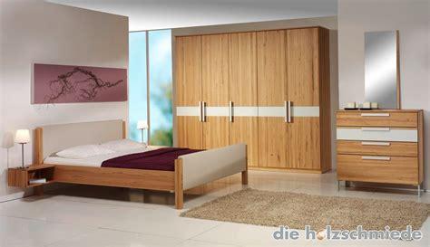 Schlafzimmerschrank Mit Bett by Bett Skala In Buche Mit Leder Kombiniert Bei Schreinerei