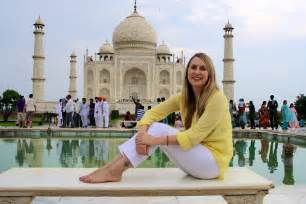 Historical Places In India Essay by Top 10 Historical Monuments In India You Must Visit At Least Once Holidays Genius