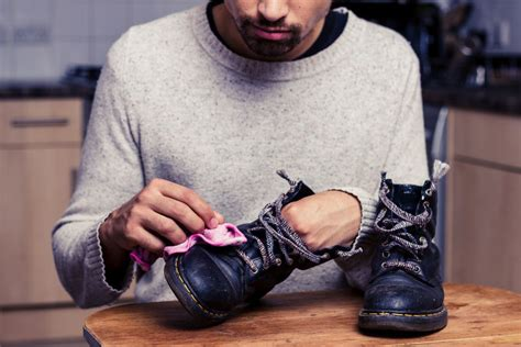 how to clean leather sneakers how to clean leather shoes ebay
