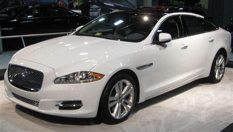 how do i learn about cars 2011 jaguar xj interior lighting file 2011 jaguar xj8 l 2011 dc jpg wikimedia commons