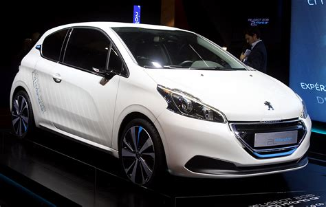 Peugeot Hybrid Air by Peugeot 208 Hybrid Air Photo Gallery Autoblog