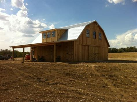 how much does it cost to build a pole barn house