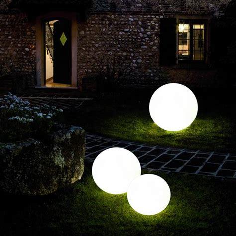sfere da giardino sfere da giardino e vasi luminosi da esterno