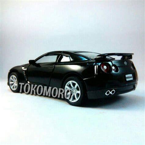 Tomica No 23 Nissan Gtr Diecast Miniatur Mobil Takara Tomy Original jual diecast nissan gtr mobil w
