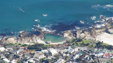 Small Pool House Camps Bay Accommodation Book Amp Skip Out Intermediaries