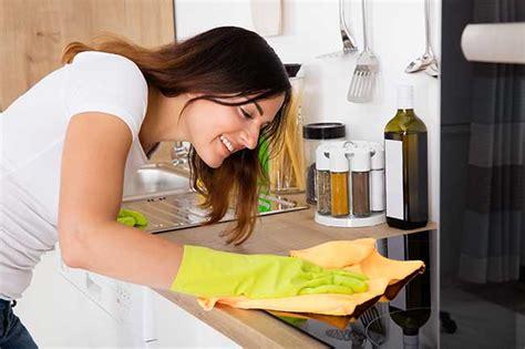 pulizia piano cottura induzione piano cottura a induzione pro e contro consumi e costi