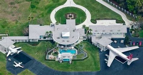 Travolta S House by Travolta S Florida Mansion Is Seriously