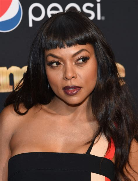 taraji p henson long wavy hairstyle pictures to pin on pinterest taraji p henson long wavy cut with bangs long