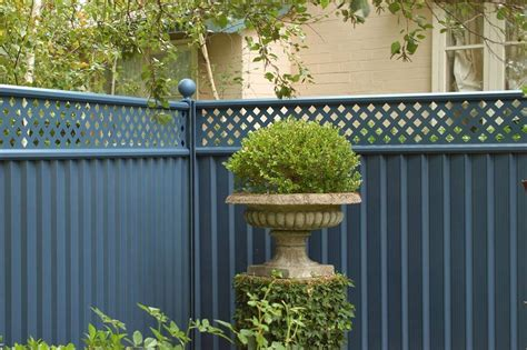 25 year guaranteed durable garden fencing colourfence