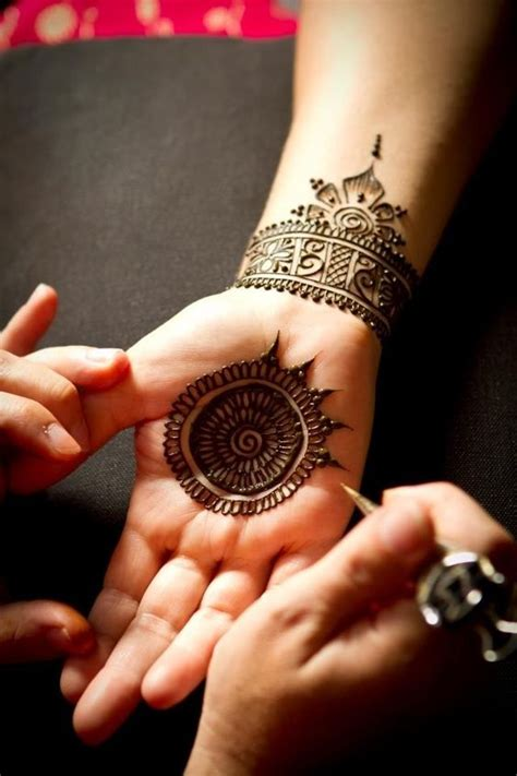 henna design round 10 round mehndi designs you should definitely try
