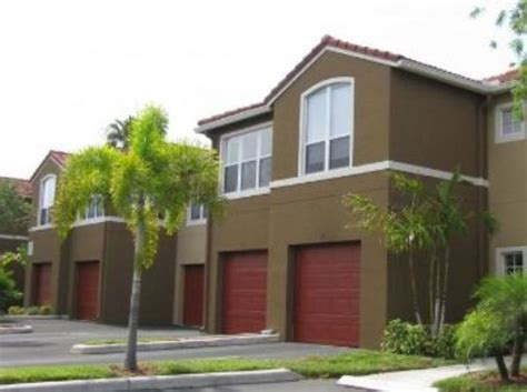 apartments and houses for rent in palm gardens