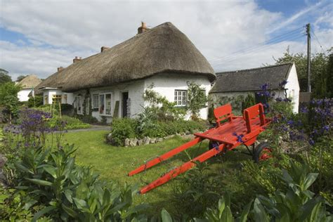 thatched cottages in ireland ireland image gallery lonely planet