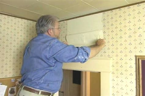 easy remove wallpaper for apartments 14 best images about removing wall paper on pinterest