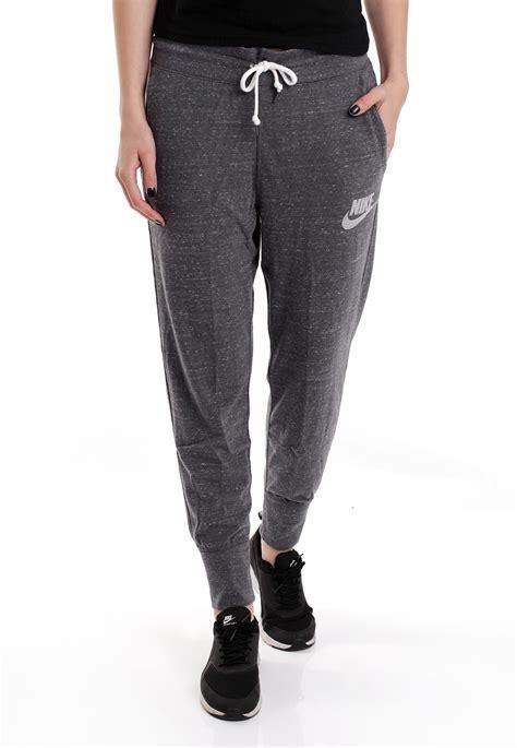 girls gray and black joggers pants girl in grey sweatpants nike