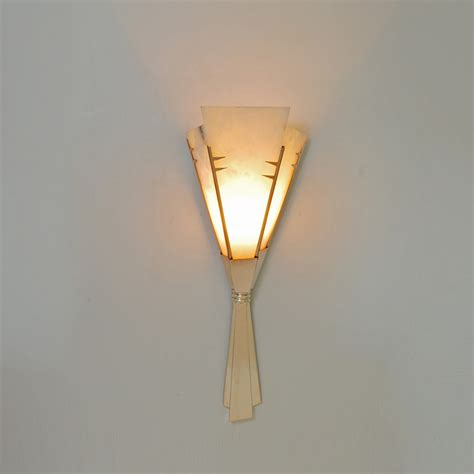 Deco Sconce Deco Silver Dovetail Ribbon Sconce With Alabaster