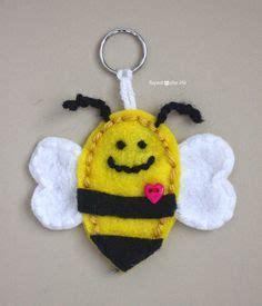 the shiny bee who felt out of place conscious volume 1 books felt bumble bee pdf diy pattern feltros artesanatos bem