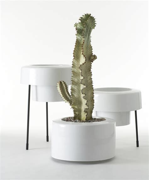 Modern Planter Pots by Modern And Colorful Aluminum Planters With Powder Coated