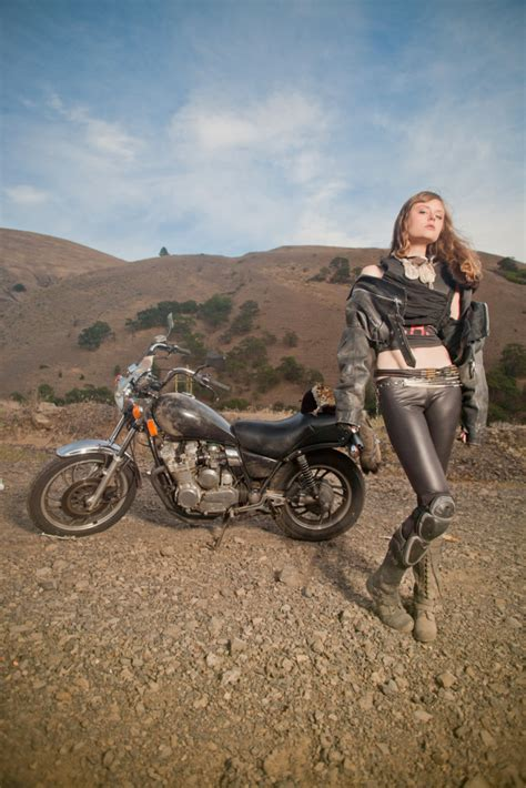 Mad Max Motorrad by Coyote Velten Mad Max Motorcycle Girl Moto Lady
