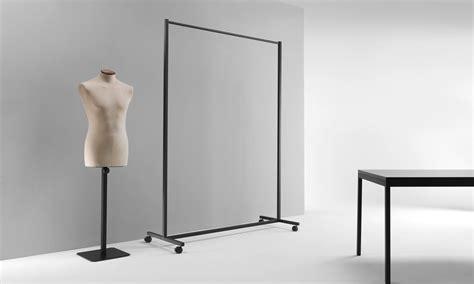 arredo negozio arredo contract per negozi e musei sistemi e complementi