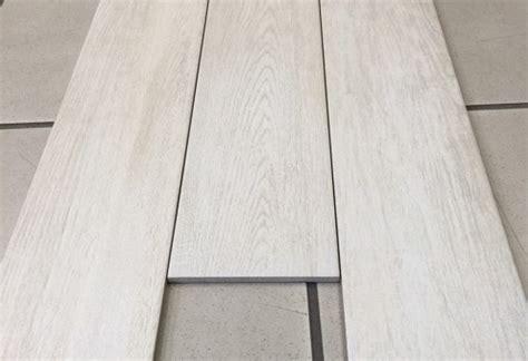 pavimento legno bianco gres porcellanato effetto legno ceramiche artistiche