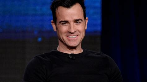 justin theroux back tattoo justin theroux reveals talent as artist