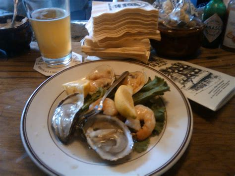 best seafood restaurants in boston guide to boston s best seafood restaurants 171 cbs boston