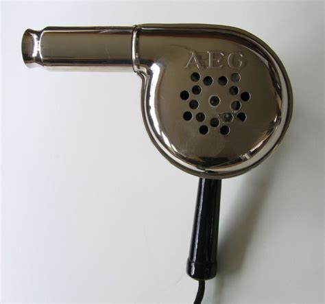 Hair Dryer History file aeg foen nr72355 03 mod03 res jpg wikimedia commons