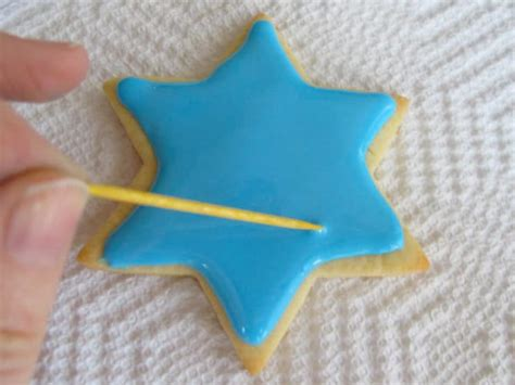 how to decorate cookies how to decorate sugar cookies with royal icing cookie