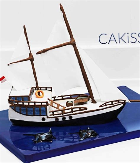 sail boat cake top sailboat cakes cakecentral