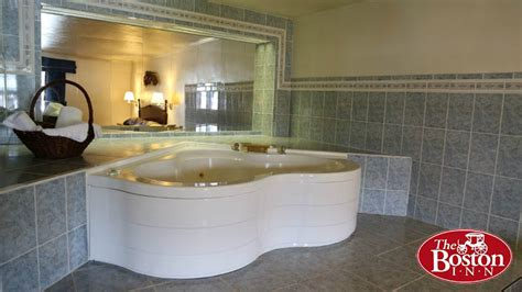 Hotels With Jacuzzis In The Room by Hotel Rooms Cheap Hotel Rooms In Room The