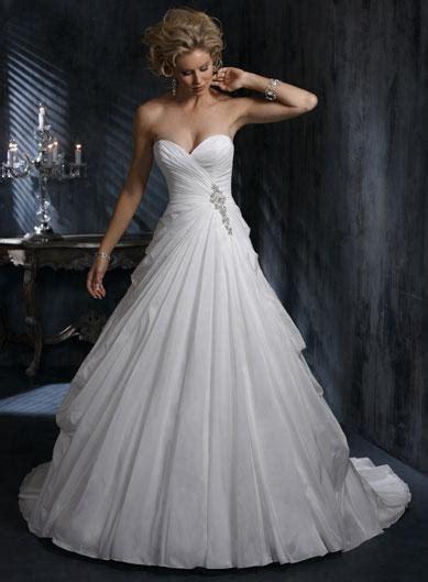 brautkleider corsage white beaded gown silhouette corset wedding