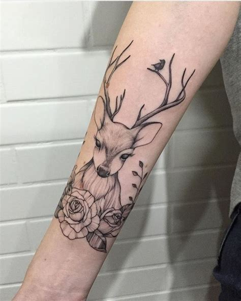 doe tattoo best 25 deer ideas on geometric