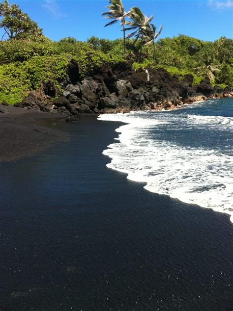 black sand beaches maui black sand beach maui maui pinterest