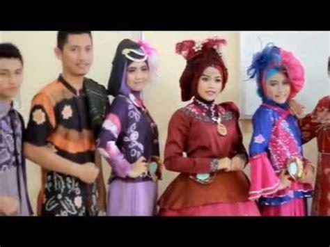 model busana muslim  model baju sasirangan muslimah
