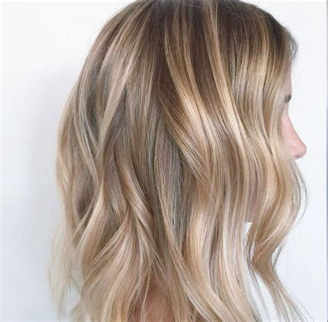 pictures of blonde highlights on natural hair n african american women de 25 bedste id 233 er til natural blonde balayage p 229 pinterest