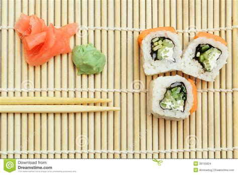 stuoia sushi how to roll sushi with bamboo mat makisu bamboo mat in a