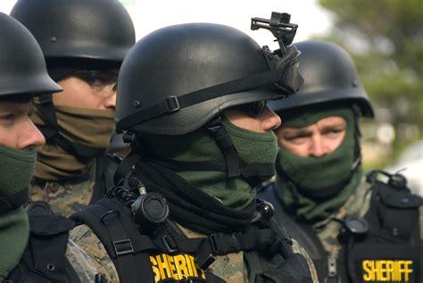 file swat team 4131372991 jpg wikimedia commons