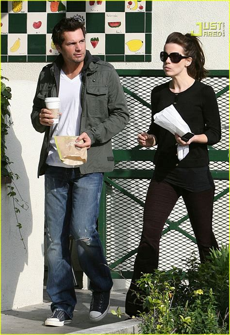 Len Wiseman Is A Grab by Kate Beckinsale Is A Pastry Person Photo 842801 Kate