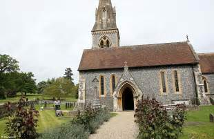 st mark s church berkshire pippa middleton s wedding to have luxury portaloos daily