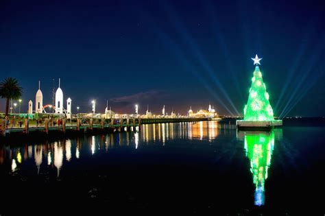geelong floating christmas tree at corio bay