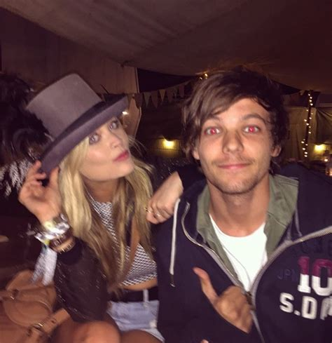 louis tomlinson friends festival friends laura whitmore and niall horan hang out
