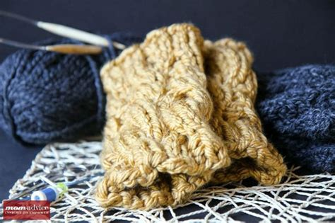 finger knit boot cuffs easy knitted boot cuffs posts boot cuffs and
