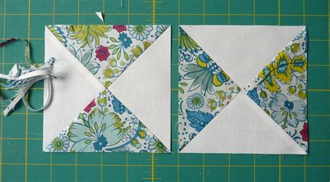 Red Pepper Quilts: Hour Glass Block Tutorial