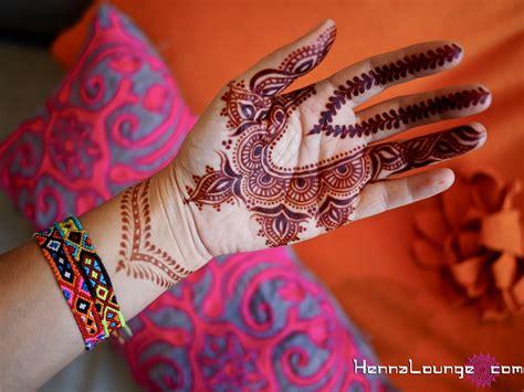 henna design gulf secrets of the persian gulf henna lounge