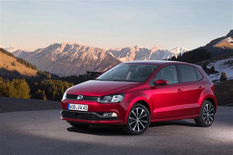 volkswagen hatchback 2015 volkswagen polo hatchback 2015 pictures carbuyer